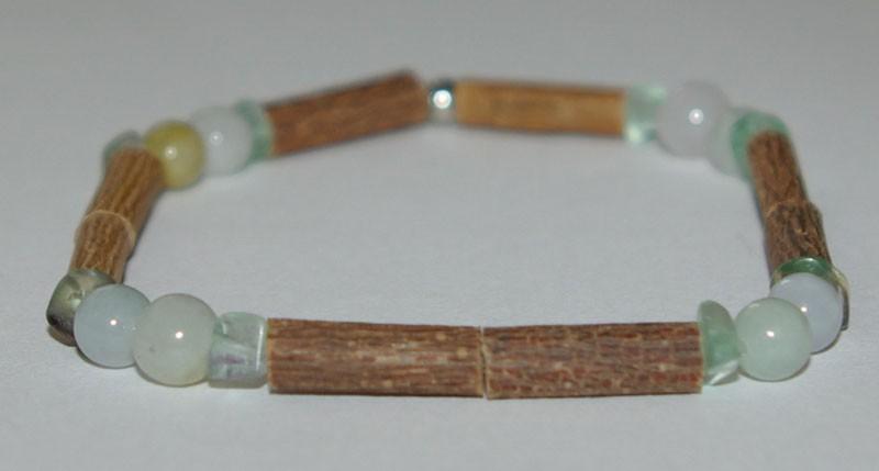Bracelet de Noisetier et Jade de Birmanie / Fluorine verte (baroque) - Taille Femme/Ado